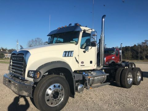 New 2020 Mack GR64FT