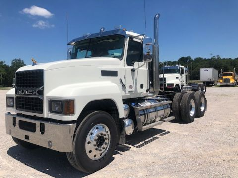 New 2021 Mack PI64T